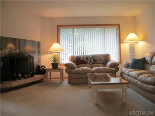 Photo 4: 4818 Cordova Bay Rd in VICTORIA: SE Sunnymead Single Family Detached for sale (Saanich East)  : MLS®# 695844