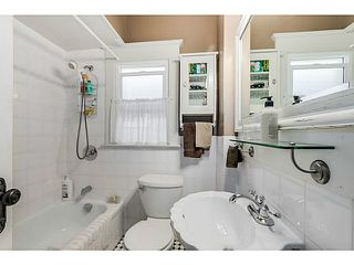 Photo 9: 2157 E 1ST Avenue in Vancouver: Grandview VE House for sale (Vancouver East)  : MLS®# V1137465