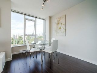 Photo 8: 811 445 W 2ND Avenue in Vancouver: False Creek Condo for sale (Vancouver West)  : MLS®# V1140639