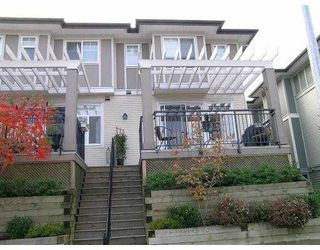 "Photo 1: 1010 EWEN Ave in New Westminster: Queensborough Townhouse for sale in ""WINDSOR MEWS"" : MLS®# V617059"