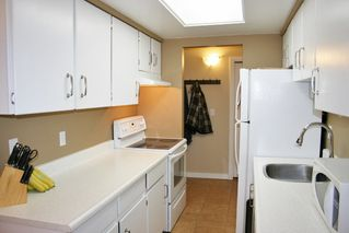 "Photo 6: 105 20420 54 Avenue in Langley: Langley City Condo for sale in ""RIDGEWOOD MANOR"" : MLS®# R2044420"