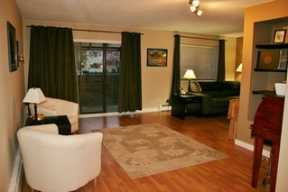 "Photo 11: 105 20420 54 Avenue in Langley: Langley City Condo for sale in ""RIDGEWOOD MANOR"" : MLS®# R2044420"