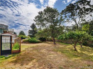 Photo 17: 833 Wollaston St in VICTORIA: Es Old Esquimalt Single Family Detached for sale (Esquimalt)  : MLS®# 739160