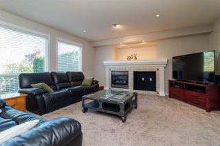 "Photo 7: 6632 206 Street in Langley: Willoughby Heights House for sale in ""BERKSHIRE"" : MLS®# R2113542"