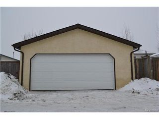 Photo 19: 16 Red Maple Road in Winnipeg: Riverbend Residential for sale (4E)  : MLS®# 1702335