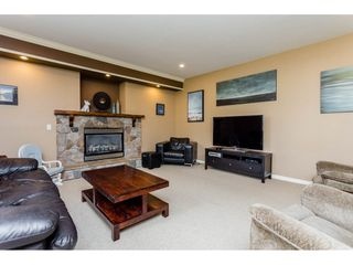 Photo 11: 4215 199A Street in Langley: Brookswood Langley House for sale : MLS®# R2149185