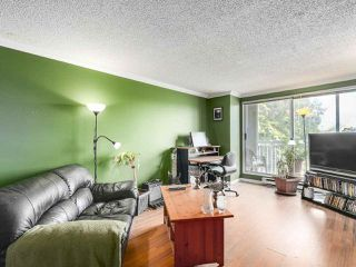 "Photo 4: 220 65 FIRST Street in New Westminster: Downtown NW Condo for sale in ""KINNARD PLACE"" : MLS®# R2159319"