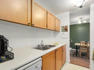 "Photo 13: 220 65 FIRST Street in New Westminster: Downtown NW Condo for sale in ""KINNARD PLACE"" : MLS®# R2159319"