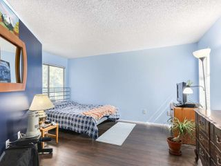 "Photo 8: 220 65 FIRST Street in New Westminster: Downtown NW Condo for sale in ""KINNARD PLACE"" : MLS®# R2159319"