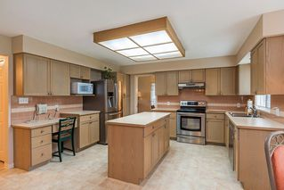 """Photo 6: 8565 215 Street in Langley: Walnut Grove House for sale in """"Forest Hills"""" : MLS®# R2162410"""