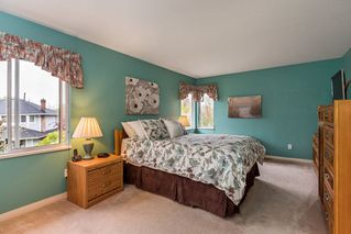 """Photo 14: 8565 215 Street in Langley: Walnut Grove House for sale in """"Forest Hills"""" : MLS®# R2162410"""