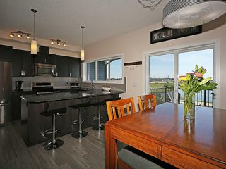 Photo 9: 451 HILLCREST Circle SW: Airdrie House for sale