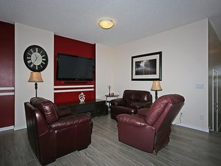 Photo 10: 451 HILLCREST Circle SW: Airdrie House for sale
