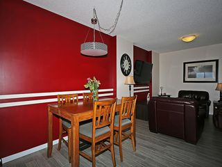 Photo 8: 451 HILLCREST Circle SW: Airdrie House for sale