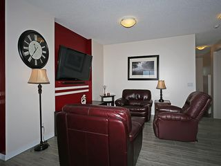 Photo 11: 451 HILLCREST Circle SW: Airdrie House for sale