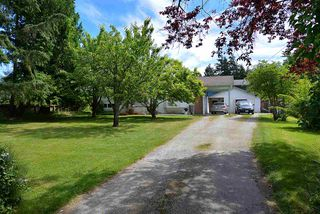 Photo 1: 594 SHAW Road in Gibsons: Gibsons & Area House for sale (Sunshine Coast)  : MLS®# R2182596