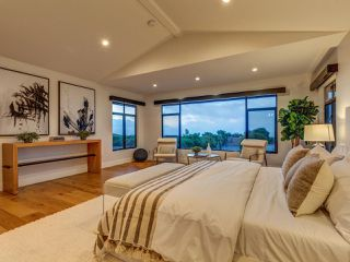 Photo 10: LA JOLLA House for sale : 4 bedrooms : 2345 Via Siena