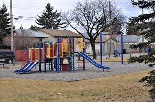 Photo 2: 4120 13 Avenue NE in Calgary: Marlborough House for sale : MLS®# C4144113