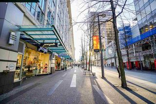 """Photo 2: 1810 610 GRANVILLE Street in Vancouver: Downtown VW Condo for sale in """"The Hudson"""" (Vancouver West)  : MLS®# R2227120"""