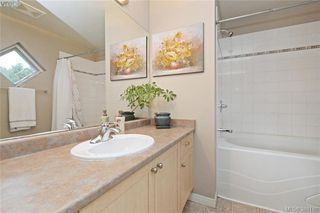 Photo 12: 134 Thetis Vale Cres in VICTORIA: VR Six Mile Single Family Detached for sale (View Royal)  : MLS®# 776055