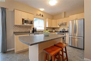 Photo 6: 134 Thetis Vale Cres in VICTORIA: VR Six Mile Single Family Detached for sale (View Royal)  : MLS®# 776055