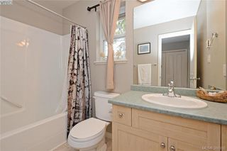 Photo 15: 134 Thetis Vale Cres in VICTORIA: VR Six Mile Single Family Detached for sale (View Royal)  : MLS®# 776055