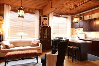 Photo 2: 24 Noble St Unit #111 in Toronto: Roncesvalles Condo for sale (Toronto W01)  : MLS®# W4039153