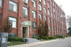 Photo 1: 24 Noble St Unit #111 in Toronto: Roncesvalles Condo for sale (Toronto W01)  : MLS®# W4039153