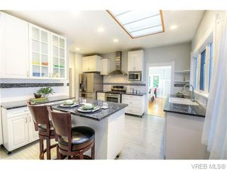 Photo 7: 94 Linden Avenue in VICTORIA: Vi Fairfield West Residential for sale (Victoria)  : MLS®# 370971