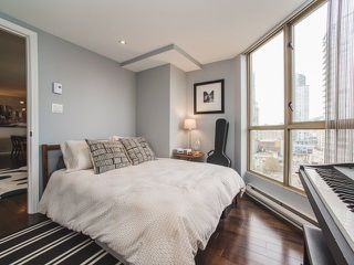 "Photo 13: 2106 867 HAMILTON Street in Vancouver: Downtown VW Condo for sale in ""Jardine's Lookout"" (Vancouver West)  : MLS®# R2246712"