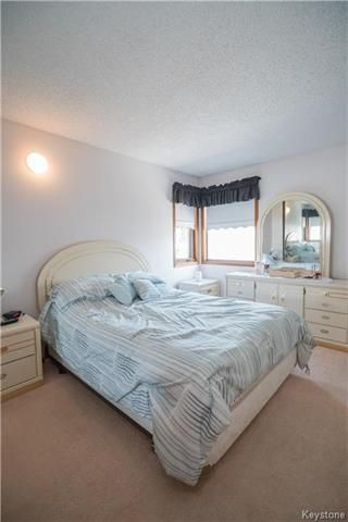 Photo 8: 127 Zawaly Bay in Winnipeg: Canterbury Park Residential for sale (3M)  : MLS®# 1809599