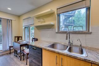 "Photo 11: 114 400 KLAHANIE Drive in Port Moody: Port Moody Centre Condo for sale in ""The Tides in Klahanie"" : MLS®# R2275642"