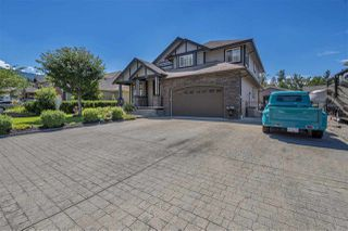 Photo 1: 7983 PALMER Place in Chilliwack: Eastern Hillsides House for sale : MLS®# R2285867