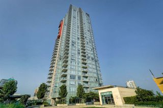 """Photo 1: 1602 4688 KINGSWAY Street in Burnaby: Metrotown Condo for sale in """"STATION SQUARE 1"""" (Burnaby South)  : MLS®# R2296160"""