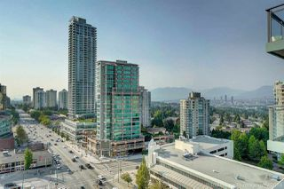 """Photo 2: 1602 4688 KINGSWAY Street in Burnaby: Metrotown Condo for sale in """"STATION SQUARE 1"""" (Burnaby South)  : MLS®# R2296160"""