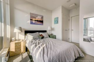 """Photo 12: 1602 4688 KINGSWAY Street in Burnaby: Metrotown Condo for sale in """"STATION SQUARE 1"""" (Burnaby South)  : MLS®# R2296160"""