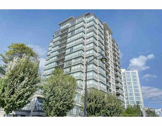 Main Photo: 1505 3333 CORVETTE Way in Richmond: West Cambie Condo for sale : MLS®# R2310648
