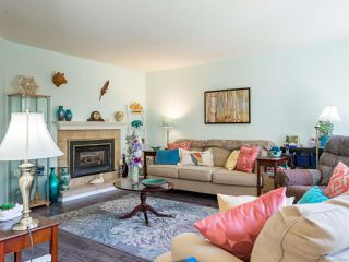 Photo 3: 2 2200 Manor Dr in COMOX: CV Comox (Town of) Row/Townhouse for sale (Comox Valley)  : MLS®# 808208