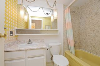 "Photo 11: 209 2080 MAPLE Street in Vancouver: Kitsilano Condo for sale in ""Maple Manor"" (Vancouver West)  : MLS®# R2350057"