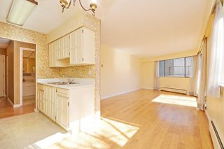 "Photo 7: 209 2080 MAPLE Street in Vancouver: Kitsilano Condo for sale in ""Maple Manor"" (Vancouver West)  : MLS®# R2350057"