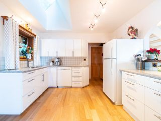 Photo 11: 325 BAYVIEW Place in West Vancouver: Lions Bay House for sale : MLS®# R2357197