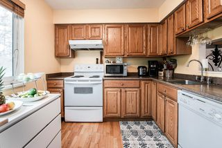"""Photo 12: 3472 NAIRN Avenue in Vancouver: Champlain Heights Townhouse for sale in """"COUNTRY LANE"""" (Vancouver East)  : MLS®# R2358449"""