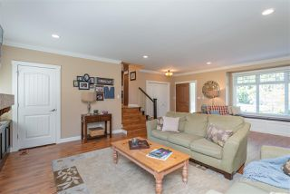 """Photo 4: 4558 SADDLEHORN Crescent in Langley: Salmon River House for sale in """"Salmon River"""" : MLS®# R2365220"""