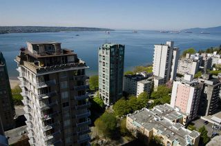 "Photo 17: 1901 1850 COMOX Street in Vancouver: West End VW Condo for sale in ""ELCID WEST OF DENMAN"" (Vancouver West)  : MLS®# R2369001"