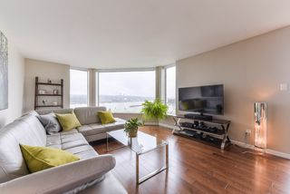 "Photo 3: 904 1045 QUAYSIDE Drive in New Westminster: Quay Condo for sale in ""QUAYSIDE TOWERS 1"" : MLS®# R2370960"