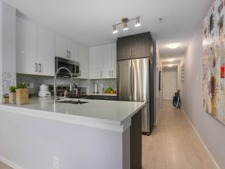 "Photo 9: PH12 868 KINGSWAY Avenue in Vancouver: Fraser VE Condo for sale in ""KINGS VILLA"" (Vancouver East)  : MLS®# R2375408"