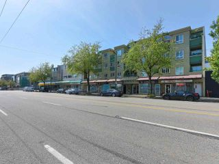 "Photo 2: PH12 868 KINGSWAY Avenue in Vancouver: Fraser VE Condo for sale in ""KINGS VILLA"" (Vancouver East)  : MLS®# R2375408"