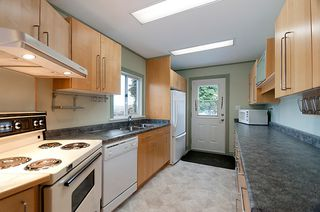 Photo 12: 214 LeBleu Street in Coquitlam: Home for sale : MLS®# V875007