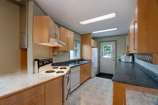 Photo 10: 214 LeBleu Street in Coquitlam: Home for sale : MLS®# V875007