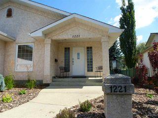 Photo 2: 1221 WERSHOF Road in Edmonton: Zone 20 House for sale : MLS®# E4170074